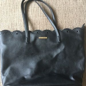Black Rampage Scallop Edge Tote Bag